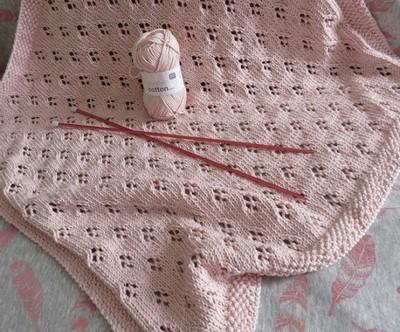 Couverture bébé dentelle tricot