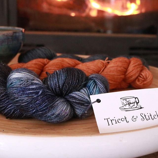 laine-teinte-à-la-main-colorée